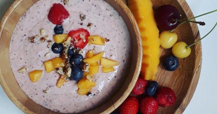 Плодов крем с кисело мляко и орехи
