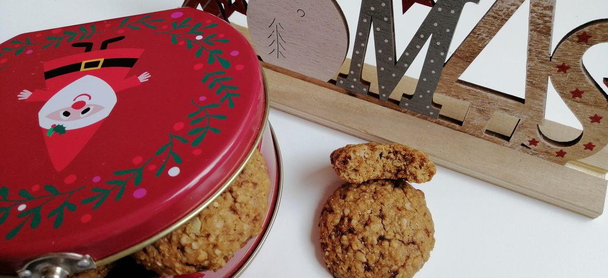Коледни овесени бисквити с орехи